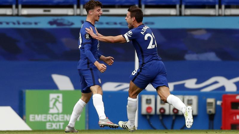 Mason Mount stars as Chelsea secure top-four spot with win over Wolves
