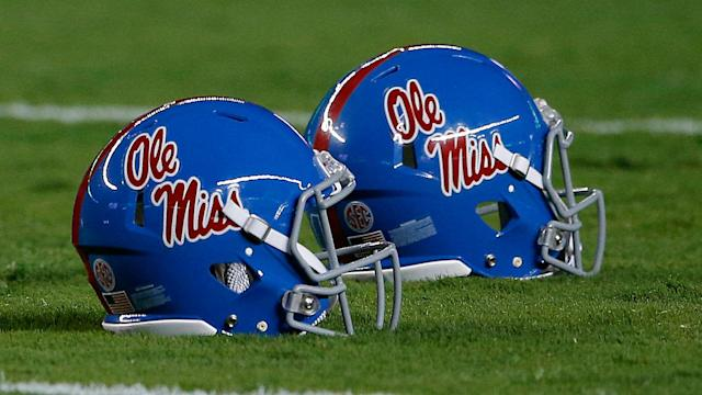 "Mississippi State linebacker <a class=""link rapid-noclick-resp"" href=""/ncaaf/players/254215/"" data-ylk=""slk:Leo Lewis"">Leo Lewis</a> made an appearance and gave testimony at Ole Miss' Committee on Infractions hearing, sources tell Yahoo Sports. (Getty)"