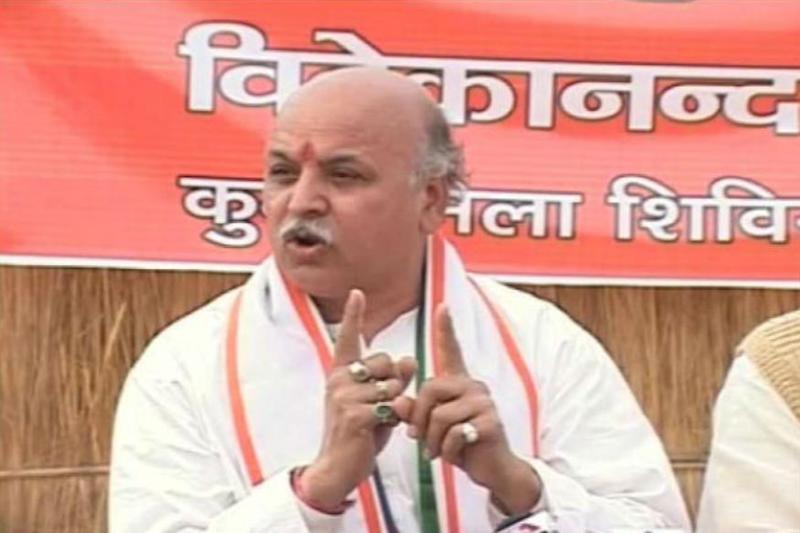 Pravin Togadia Wants 'Carpet Bombing' of Valley to Stop Militancy