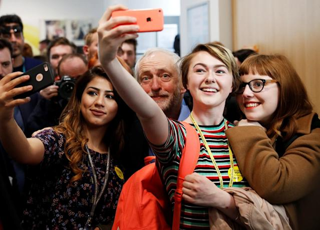 <p>Jeremy Corbyn, the leader of Britain's opposition Labour Party, poses for selfies at a campaign event in Leeds, May 10, 2017. (Photo: Phil Noble/Reuters) </p>