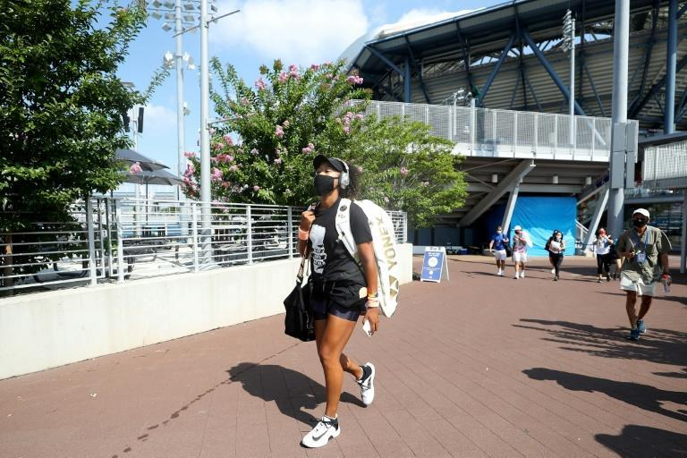 Japan's Naomi Osaka has withdrawn from the final of the Western & Southern Open with a hamstring injury, raising alarm bells two days before the start of the US Open