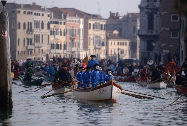 The 2018 Venice carnival kicked off with a procession of boats and gondolas, January 28
