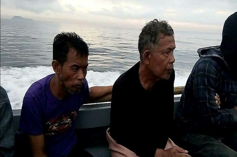 Philippines: 2 Malaysians rescued from Abu Sayyaf militants
