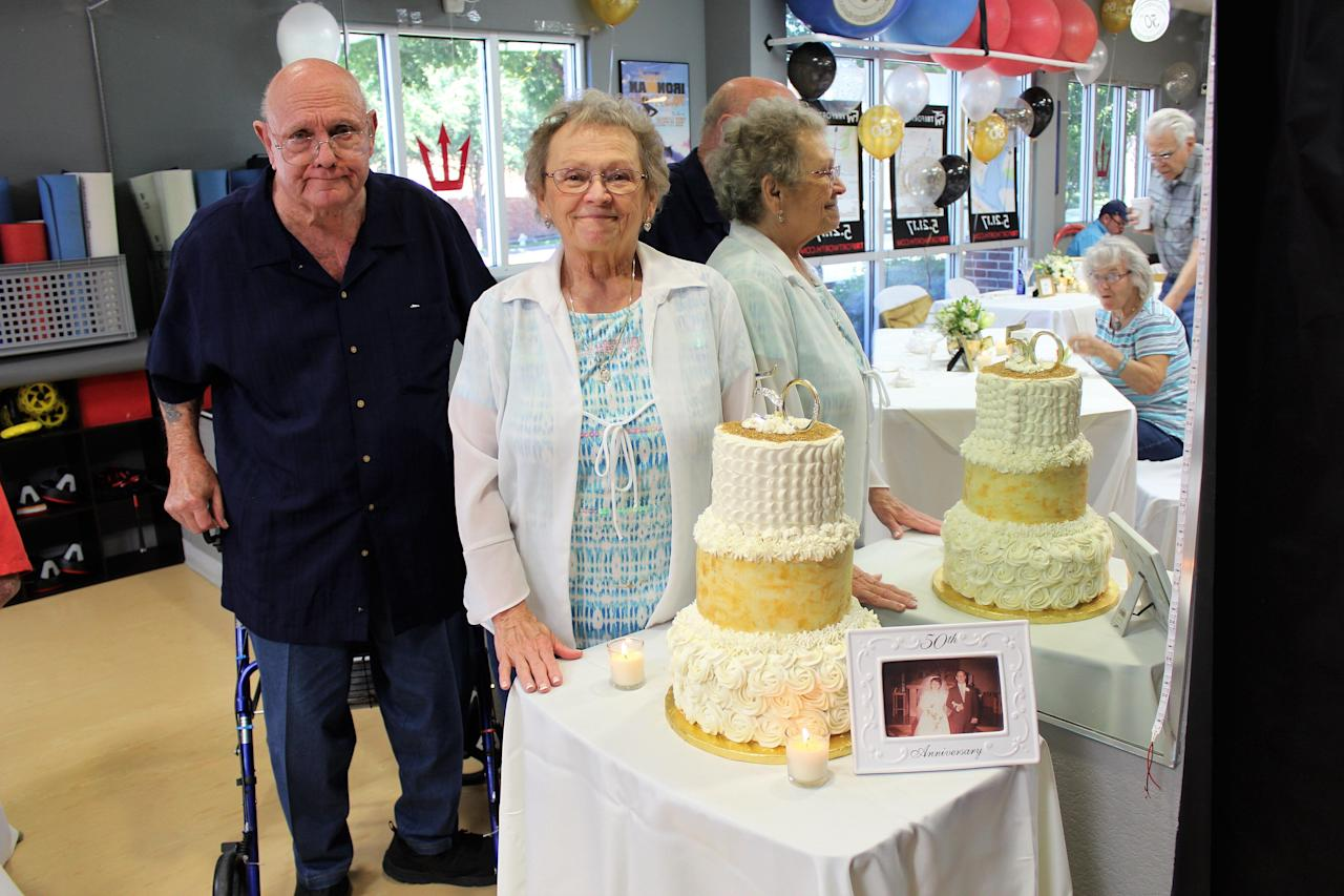 Couple married for 53 years dies of COVID-19 an hour aside