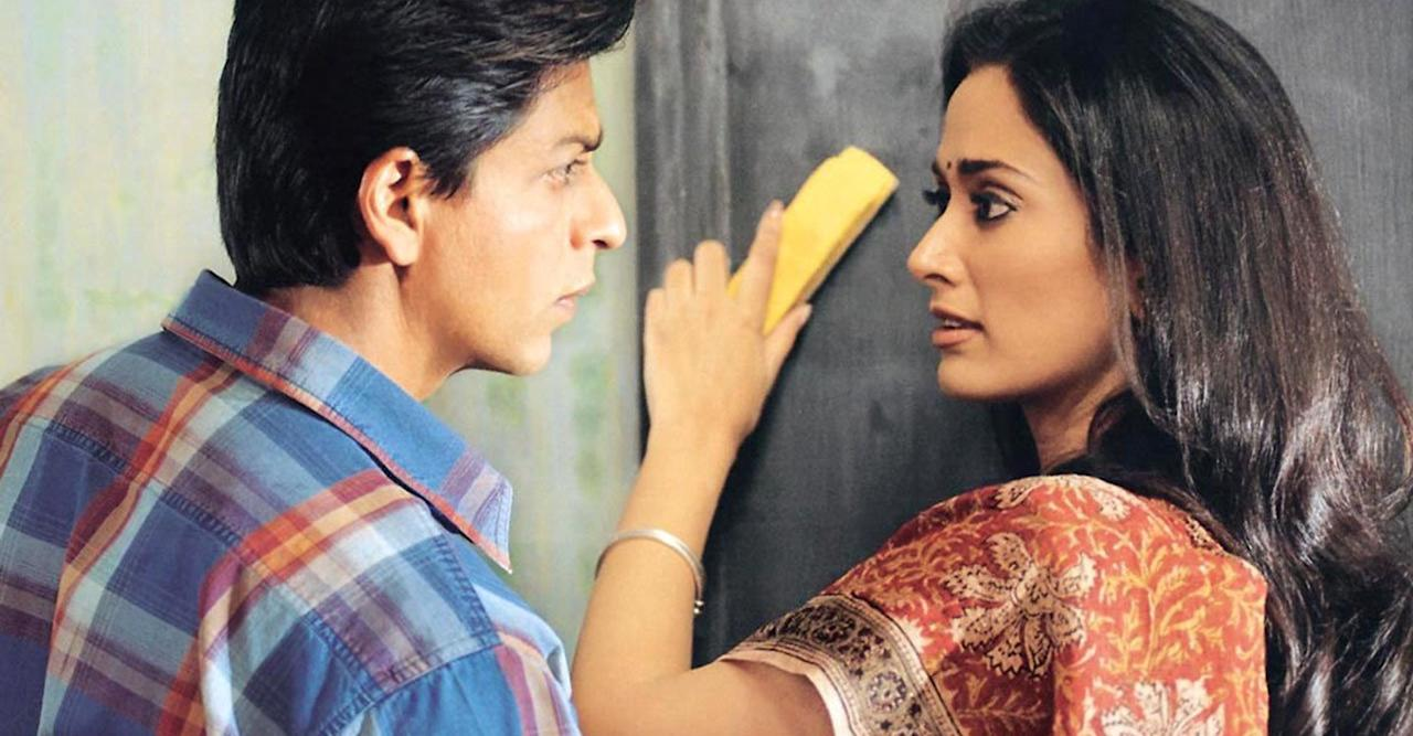 Gayatri became a household name after debuting opposite Shah Rukh Khan in Ashutosh Gowarikar's 2004 <em>Swadesh</em>. The movie, though didn't gather huge box officer collections, was acclaimed overwhelmingly by critics. The debutant was noted for her natural acting skills also, and many thought she would be flooded with offers from the best directors of the industry.