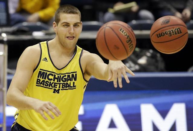 Mitch McGary's departure will force Michigan to rely on freshmen in its frontcourt