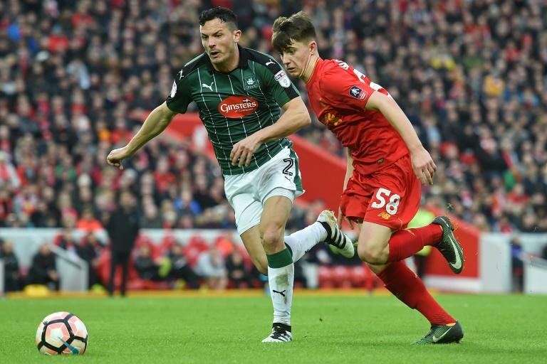 Liverpool's Ben Woodburn (R) could make his senior Wales debut in the World Cup qualifying match against Ireland