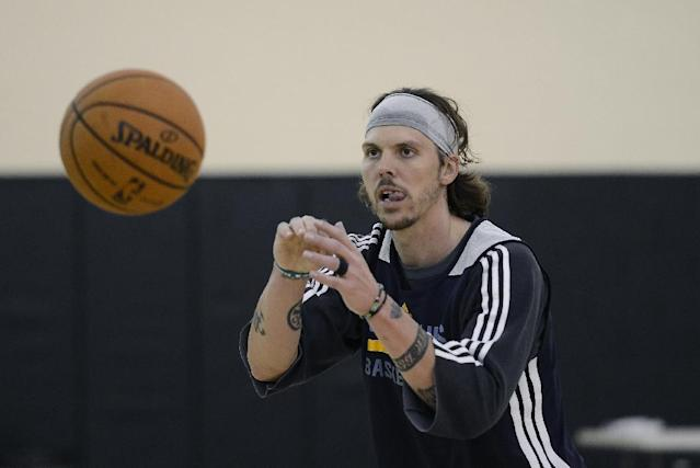 Memphis Grizzlies forward Mike Miller practices during NBA basketball training camp on Wednesday, Oct. 2, 2013, at Vanderbilt University in Nashville, Tenn. (AP Photo/Mark Zaleski)