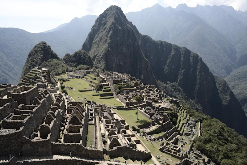 Three tourists kicked out of Machu Picchu after mooning for photos; Erin Donnelly; Yahoo