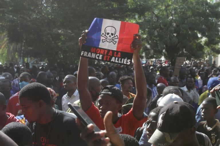 Around 5,000 protesters in Mali denounced Macron's stance