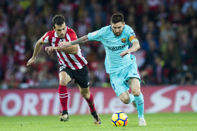 "<a class=""link rapid-noclick-resp"" href=""/soccer/players/lionel-messi/"" data-ylk=""slk:Lionel Messi"">Lionel Messi</a> scored in <a class=""link rapid-noclick-resp"" href=""/soccer/teams/barcelona/"" data-ylk=""slk:Barcelona"">Barcelona</a>'s victory over Bilbao, but one of his misses was almost more impressive. (Getty)"