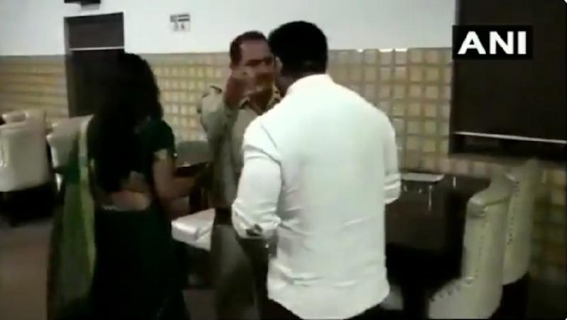 Meerut: BJP Councillor Manish Kumar Slaps UP Sub-Inspector Following Altercation at His Restaurant; Watch Video