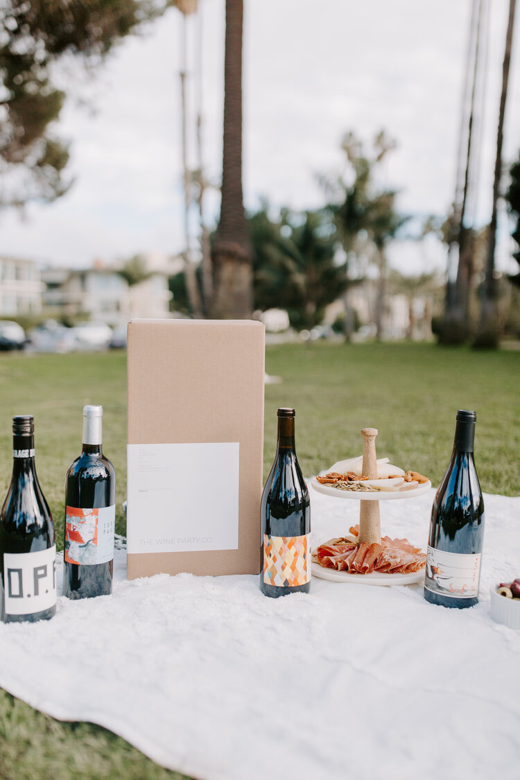 "<h3><strong>The Wine Party Co.</strong></h3><br><strong>What You Get</strong><br>A selection of organic and natural wines from small makers. <br><br><strong>What You Commit To</strong><br>A flexible monthly membership — can skip a shipment or cancel membership at any time with 40-day notice.<br><br><strong>What You Pay</strong><br>Monthly plans cost $129.99 for 4 handpicked bottles. Shipping costs included.<br><br><em>Visit</em> <em><strong><a href=""https://thewinepartyco.com/"" rel=""nofollow noopener"" target=""_blank"" data-ylk=""slk:The Wine Party Co."" class=""link rapid-noclick-resp"">The Wine Party Co.</a></strong></em>"