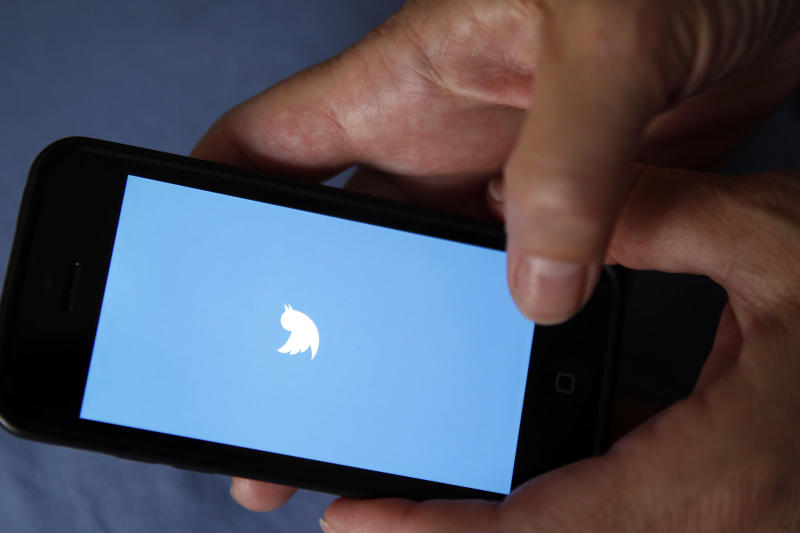 Twitter delays the shutdown of legacy notification APIs until August
