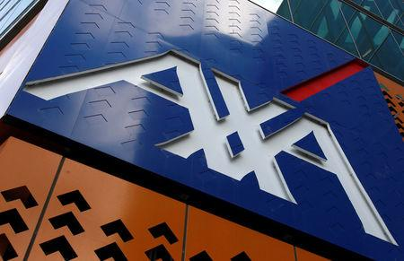 AXA takes out double hedge against U.S. and itself