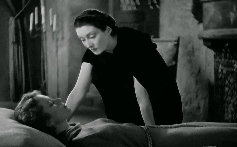 Many scenes in Dracula's Daughter barely made it past the censors of the time, for suggesting too much lesbianism.