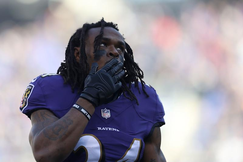 Ravens running back Alex Collins arrested after driving into tree