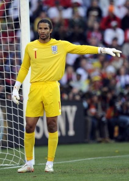 Former English goalkeeper David James first started smoking at 15 and at the height of his addiction was smoking up to 20 cigarettes a day, even while playing for Liverpool in the English Premier League. Though he was playing for one of the best football teams in the country, James struggled to run more than 800m without having to stop. After finally kicking the habit for good at 30, James' coaches and teammates noticed the rapid improvement in his stamina and fitness. At 39, he even made the English squad for the 2010 World Cup, becoming the oldest player in the tournament.