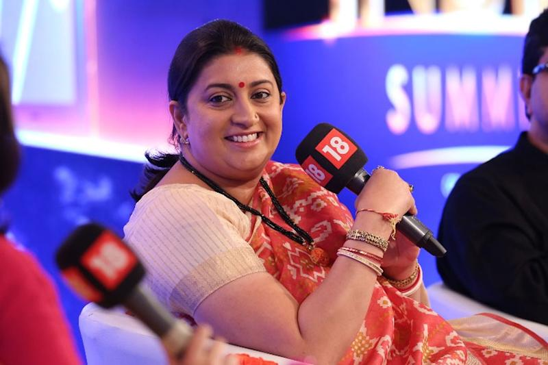Smriti Irani's Hilarious Caption on Husband Zubin & Shah Rukh Khan's Photo Will Make Your Day