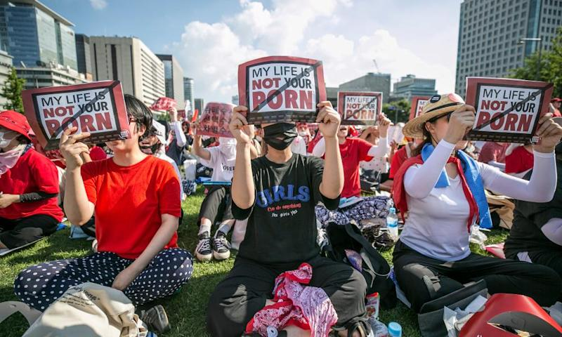 More than 40,000 South Korean women held a protest against sexism and hidden camera pornography in Seoul in August, 2018.