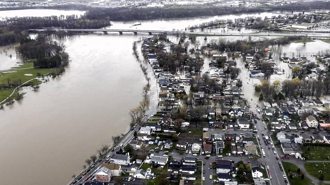 <p>A handout photo made available by Canadian Forces shows heavy flooding inundating the Outaouais region, Gatineau, Quebec on May 8, 2017. Photo from CP Images </p>