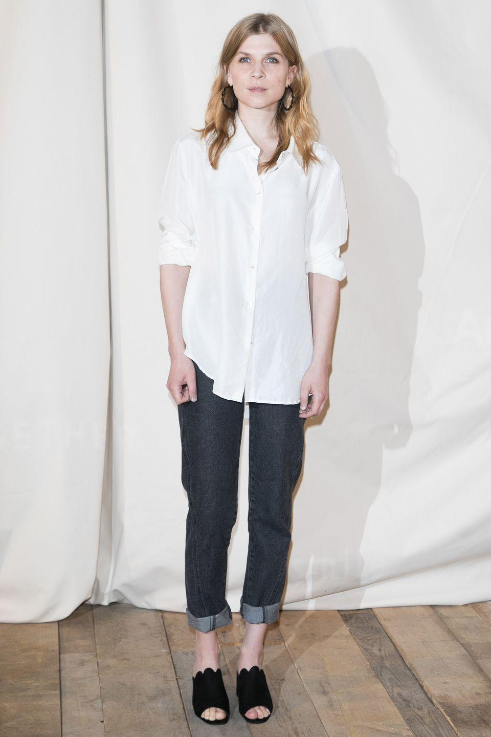 <p>Open-toed mules can provide the perfect transition into strappy sandals. Wear with jeans and a simple white shirt for an offbeat feel.</p>