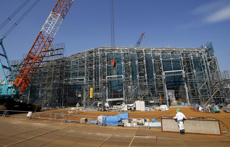 Japan nuke plant progressing in fuel removal plans