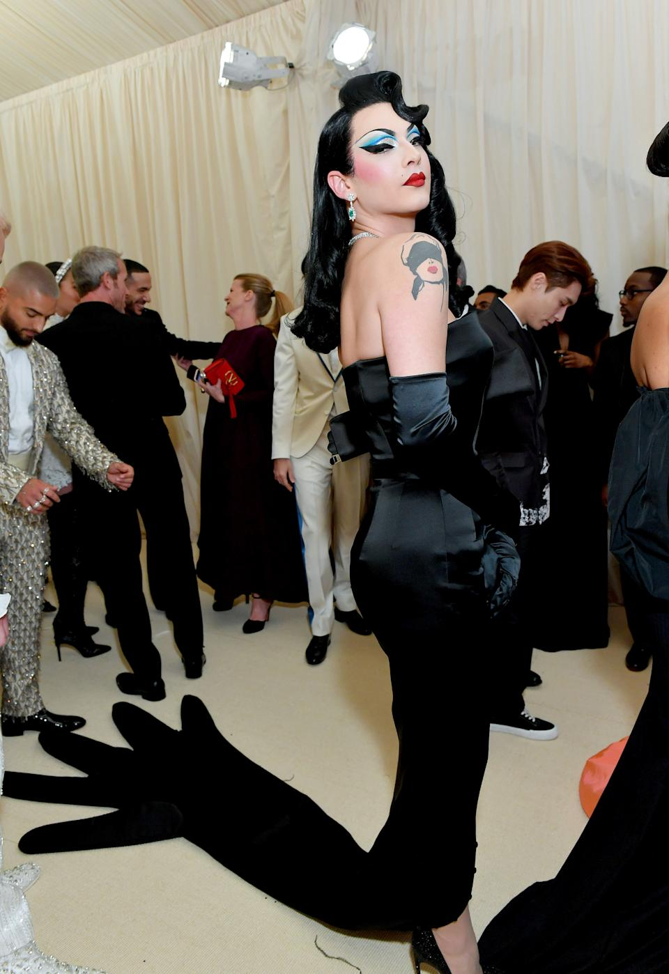 """<h1 class=""""title"""">Violet Chachki in Moschino by Jeremy Scott</h1><cite class=""""credit"""">Photo: Getty Images</cite>"""