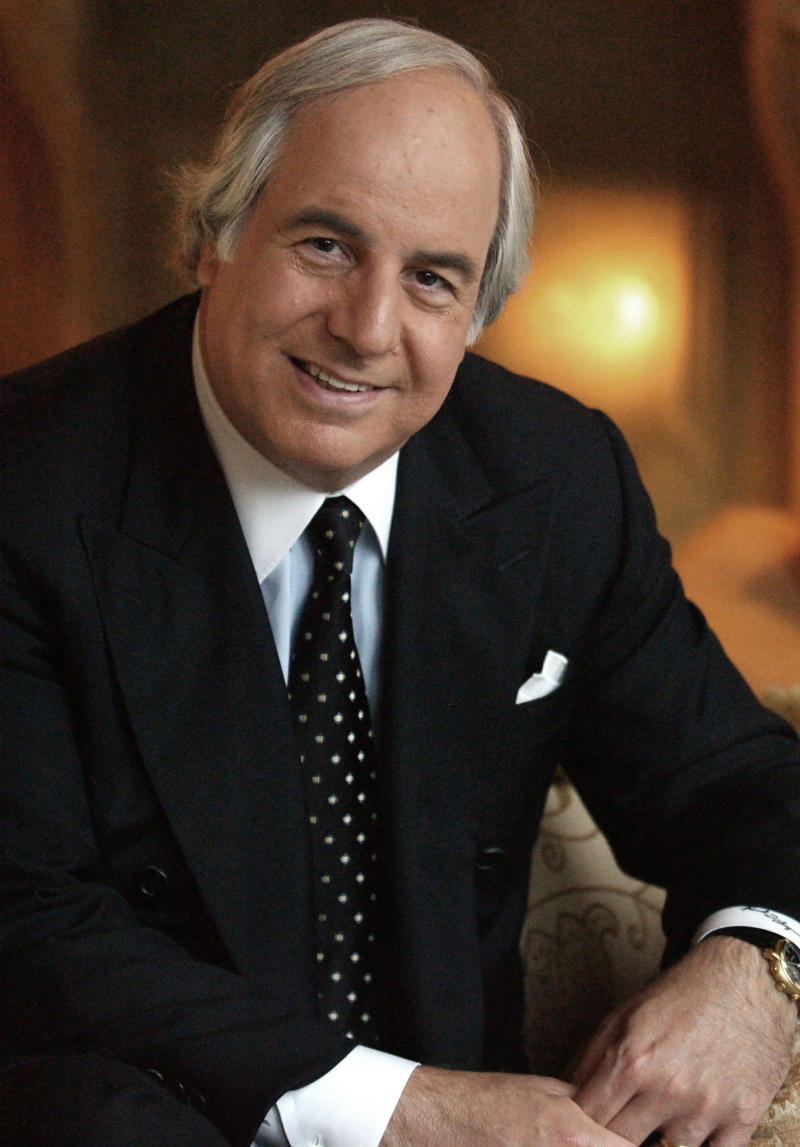 FILE - In this Dec. 16, 2002 file photo, Frank Abagnale, Jr. poses for a photo at the Four Seasons Hotel in Beverly Hills, Calif.   (AP Photo/Lucy Nicholson)