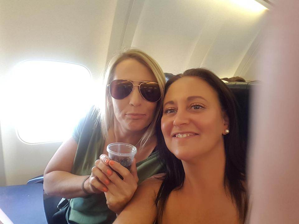 Kelly and Ruth on the plane (SWNS)