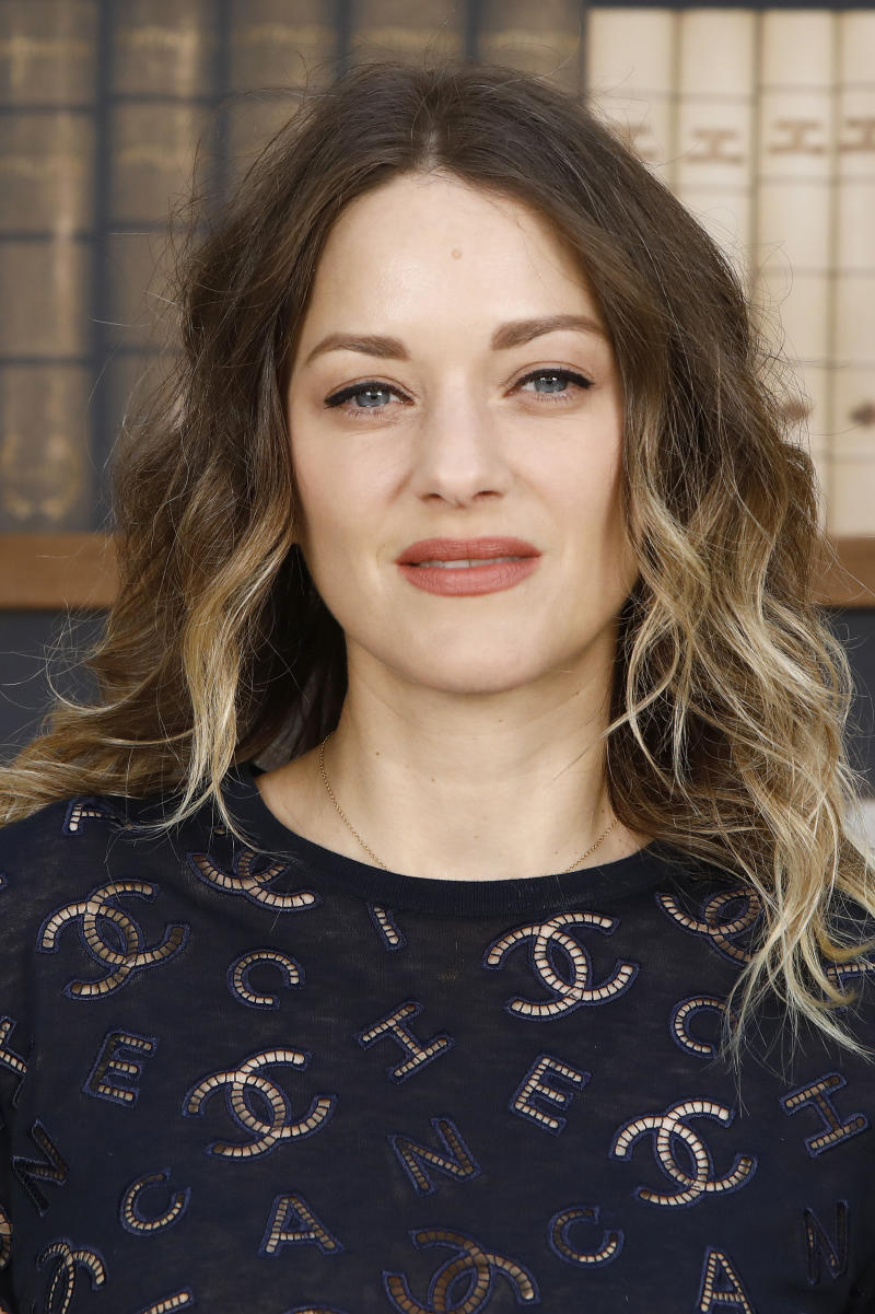 PARIS, FRANCE - JULY 02: Marion Cotillard attends the Chanel photocall as part of Paris Fashion Week - Haute Couture Fall Winter 2020 at Grand Palais on July 02, 2019 in Paris, France. (Photo by Julien M. Hekimian/Getty Images for Chanel)