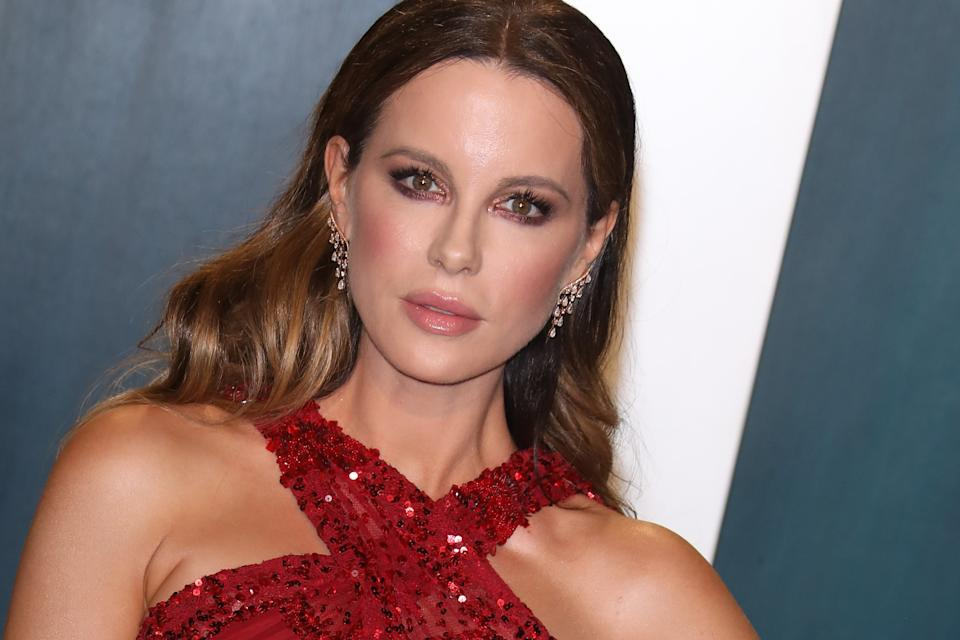BEVERLY HILLS, CALIFORNIA - FEBRUARY 09:  Kate Beckinsale attends the 2020 Vanity Fair Oscar Party at Wallis Annenberg Center for the Performing Arts on February 09, 2020 in Beverly Hills, California. (Photo by Toni Anne Barson/WireImage)