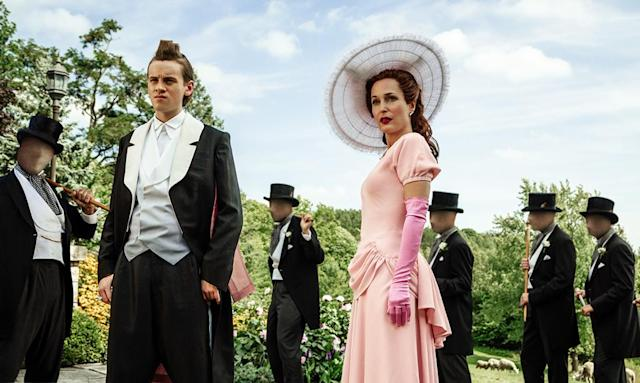 <p>Bruce Langley as Technical Boy and Gillian Anderson as Media in Starz' <i>American Gods</i>.<br><br>(Photo: Starz) </p>