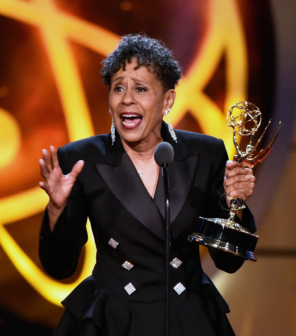 """Vernee Watson accepts the supporting actress in a drama series award for """"General Hospital."""""""