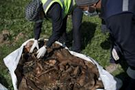 Thousands of bodies found in Raqa mass graves remain unidentified
