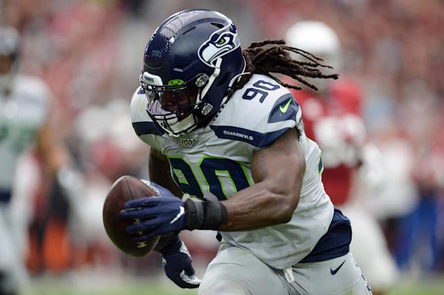 Jadeveon Clowney has been having a productive season for the Seahawks, but an injury threatens to slow him down. (Joe Camporeale-USA TODAY Sports)