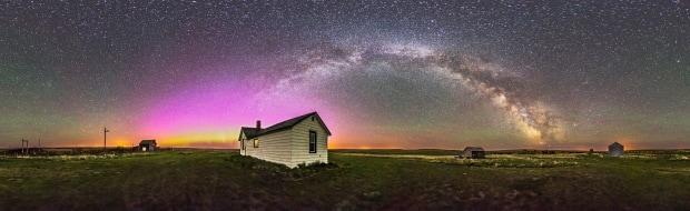 A 360-degree panorama of the night sky and prairie landscape from the Visitor Centre and farmyard at the Old Man on His Back Prairie & Heritage Conservation Area in southwest Saskatchewan. (Alan Dyer/NCC - image credit)