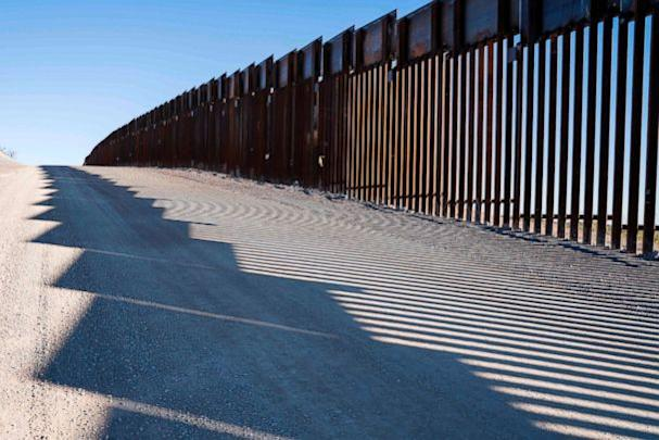 PHOTO: The U.S.-Mexico border fence near New Mexico's Highway 9, near Santa Teresa, Dec. 23, 2018. (Paul Ratje/AFP/Getty Images)