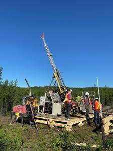 Standard Uranium commences drilling at Davidson River project.