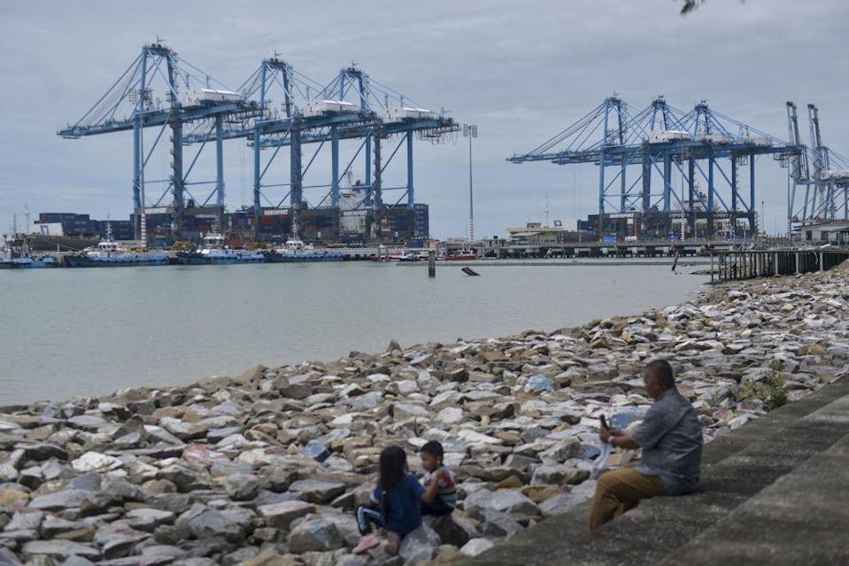 A general view of Port Klang on October 8, 2020. — Picture by Miera Zulyana