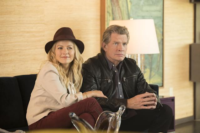Becki Newton (Jackie) and Church in <em>Divorce </em>(Photo: Craig Blankenhorn/HBO)