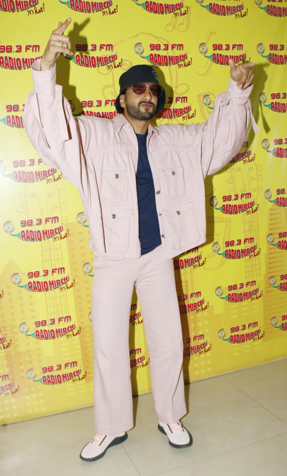 <p>Who said pink is only for women? Ranveer Singh shows us how men too can carry off the lightest shade of pink in the most chicest way possible. </p>