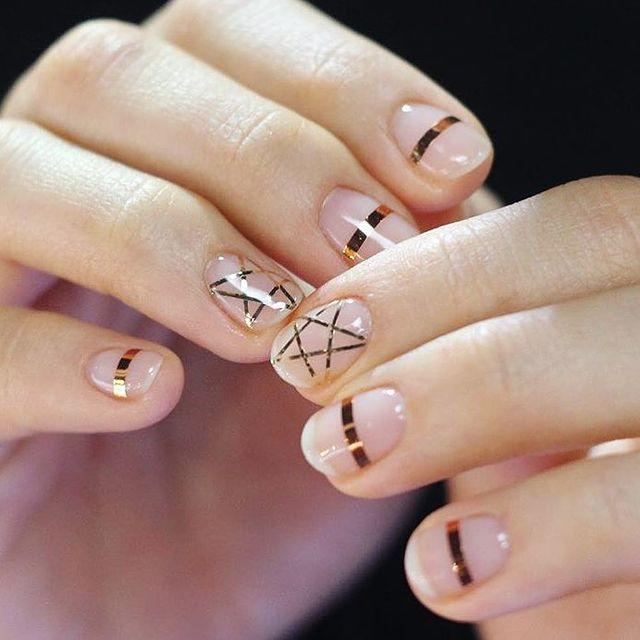 """<p>If you're a fan of The Craft but want a break from all that black nail polish, here's a design for you.</p><p><a href=""""https://www.instagram.com/p/BAl2YtQARTg/"""" rel=""""nofollow noopener"""" target=""""_blank"""" data-ylk=""""slk:See the original post on Instagram"""" class=""""link rapid-noclick-resp"""">See the original post on Instagram</a></p>"""