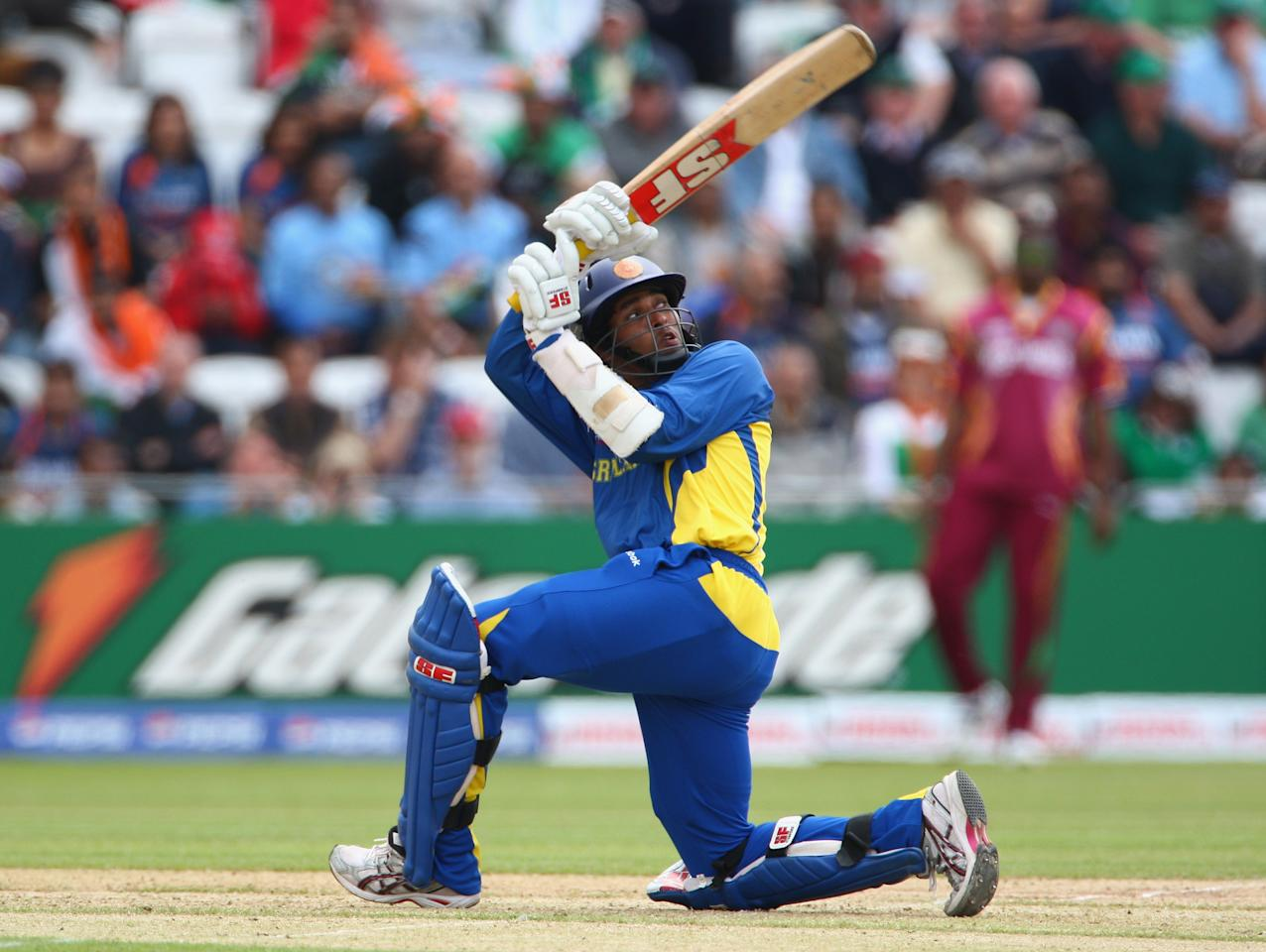 NOTTINGHAM, ENGLAND - JUNE 10:  Tillakaratne Dilshan of Sri Lanka gets some runs during the ICC World Twenty20 match between West Indies and Sri Lanka at Trent Bridge on June 10, 2009 in Nottingham, England.  (Photo by Clive Mason/Getty Images)