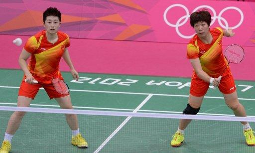 Yu Yang (L) and Wang Xiaoli during their women's doubles match against South Korea at the Olympics in July. The two were among 8 doubles players disqualified in London after playing to lose round-robin matches to gain a favourable quarter-final draw