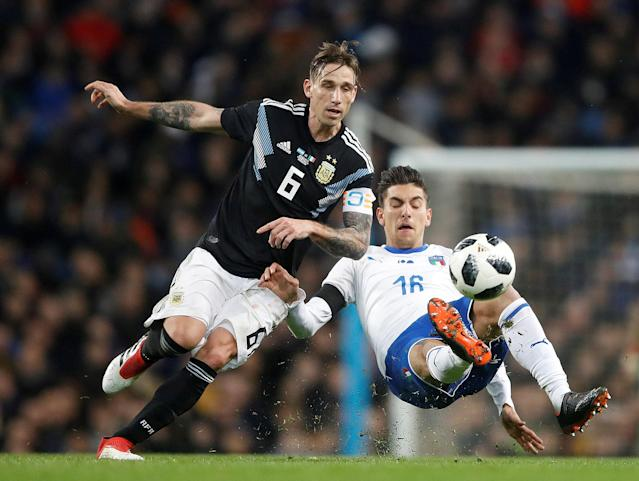 Soccer Football - International Friendly - Italy vs Argentina - Etihad Stadium, Manchester, Britain - March 23, 2018 Argentina's Lucas Biglia in action with Italy's Lorenzo Pellegrini Action Images via Reuters/Carl Recine TPX IMAGES OF THE DAY