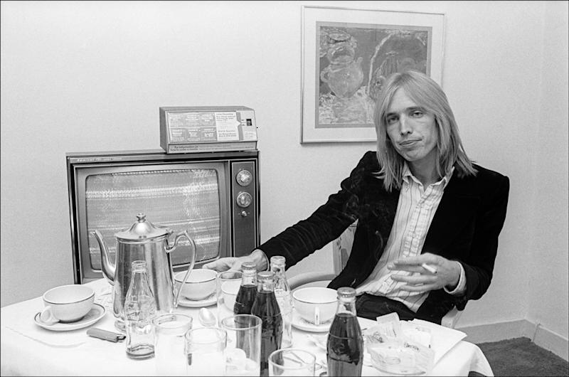 In his hotel room in New York City, New York, Oct. 7, 1977.