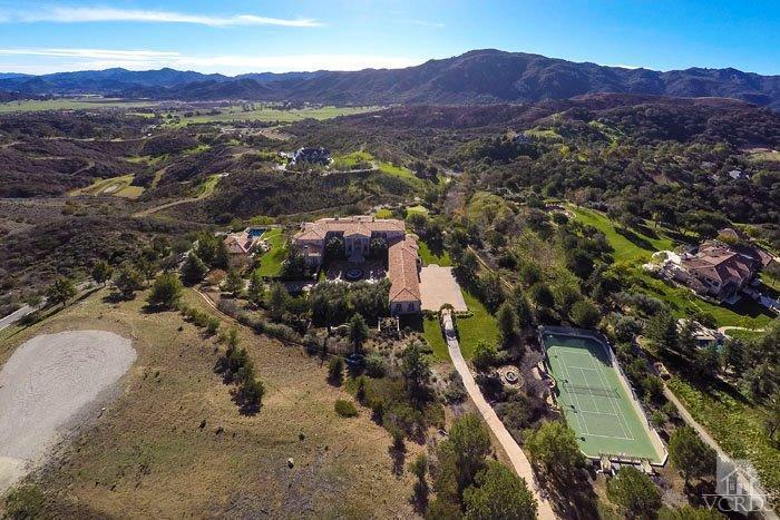 Britney Spears, the New'Queen of Vegas,' Buys$7.4 Million L.A. Mountain Retreat