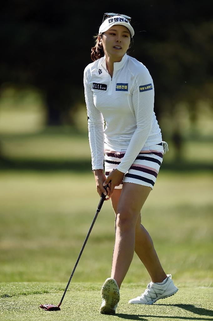 Hur Mi-Jung of South Korea reacts to a missed birdie putt on the ninth green during the second round of the Meijer LPGA Classic, at Blythefield Country Club in Grand Rapids, Michigan, on June 16, 2017 (AFP Photo/Stacy Revere)