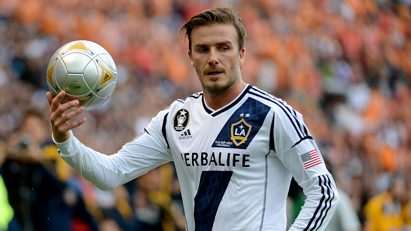 5e9add7d21ea LA Galaxy to honour Beckham with statue